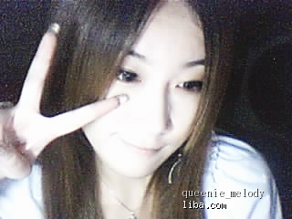 Shanghai Liba pretty girl queenie_melody shows peace sign