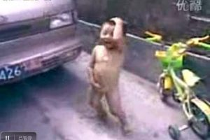 2-year-old-chinese-boy-naked-dance