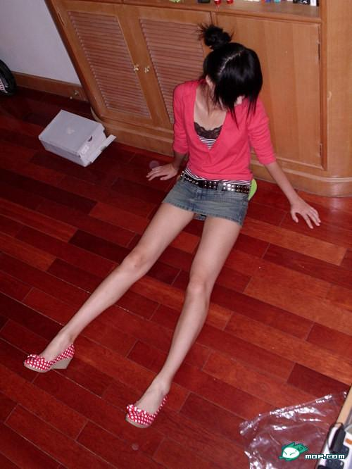 kong-yansong-chinese-long-legged-beauty-44