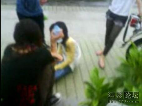 guangdong-girls-teen-beating-kicking-06