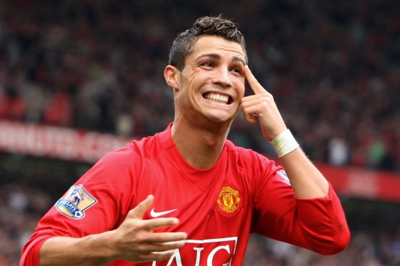 Chinese football fans & netizens react to news of Manchester United accepting 80 million pounds from Real Madrid for Cristiano Ronaldo. Some upset, others not.