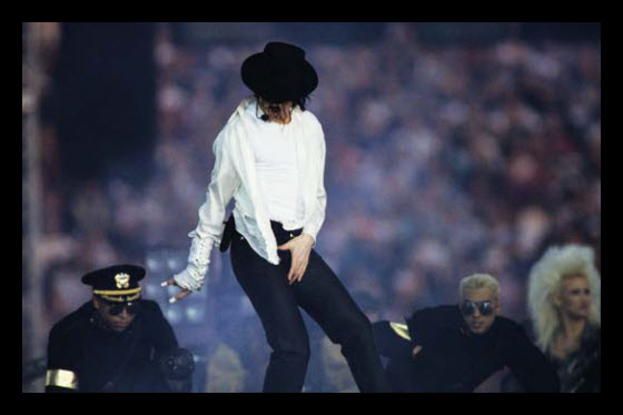 Translated Chinese netizen reactions to news of Michael Jackson's death from a heart attack. The King of Pop had fans around the world, including many in China.