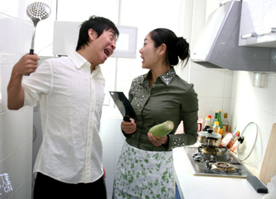 asian-couple-kitchen-knives-fight