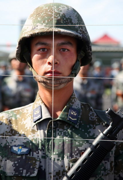 chinese-army-trianing-for-national-day-parade-60th-anniversary-09