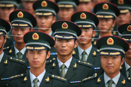 chinese-army-trianing-for-national-day-parade-60th-anniversary-16