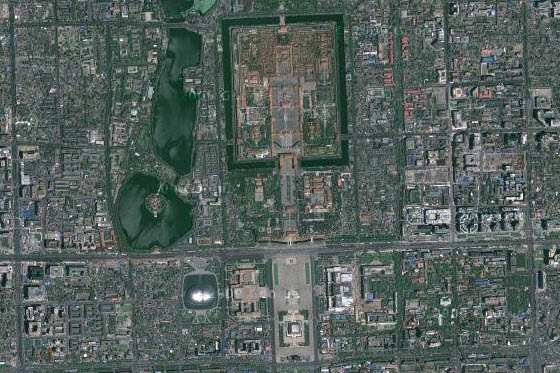A Chinese netizen use satellite images to compare cities in China with cities around the world, concluding that even African cities have better urban planning.