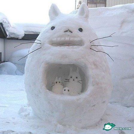 china-snow-sculptures-24-totoro
