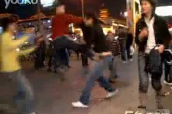ningbo-chinese-couple-beaten-by-street-children