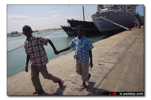 somali pirates photo exhibition 11