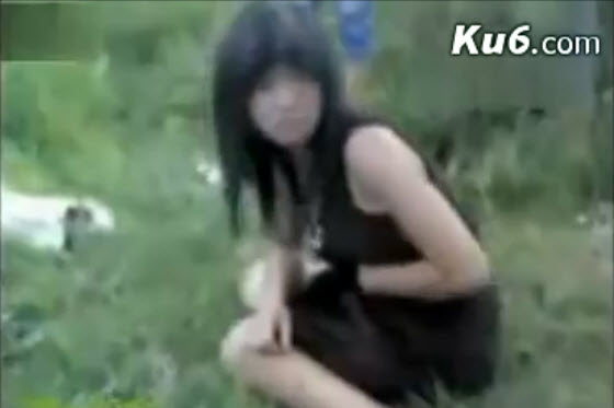 A cell phone video of a pretty young girl, pregnant & possibly still be a student, being humiliated & beaten by a gang of youth spreads on the Chinese internet.