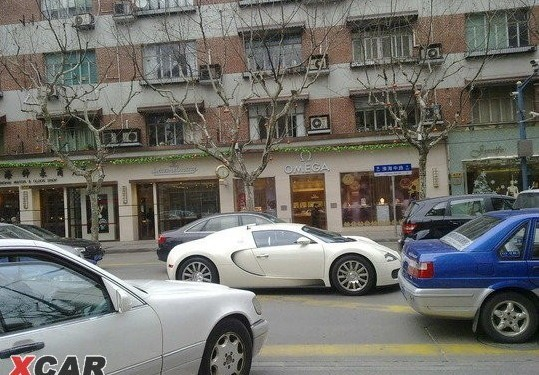 White Bugatti Veyron in Shanghai on Huai Hai Lu
