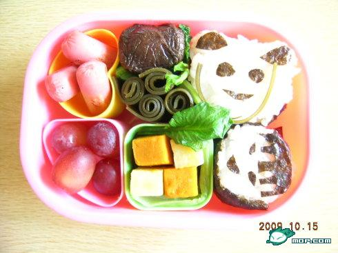 A cute bento box for Japanese children.