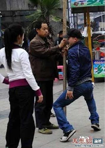 street-pole-dancing-8