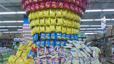 An impressive Lays potato chip supermarket display in China.