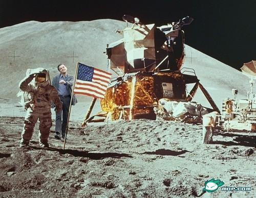 "Leonardo DiCaprio ""strutting"" photoshop: American moon-landing."