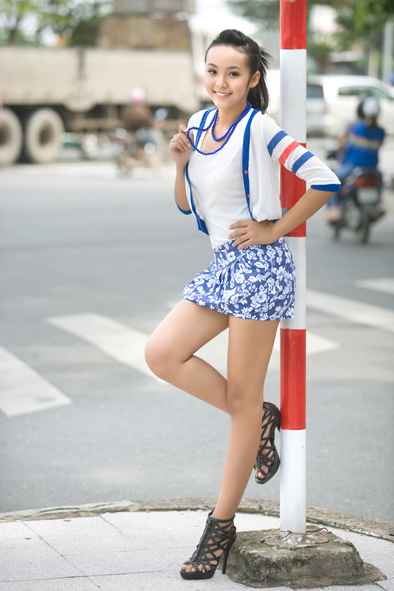 12-year-old Vietnamese female model Hoang Bao Tran Le, hot body and