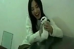 A Chinese girl who crushes a rabbit under a plate of glass in a video has been the subject of internet controversy recently in China.