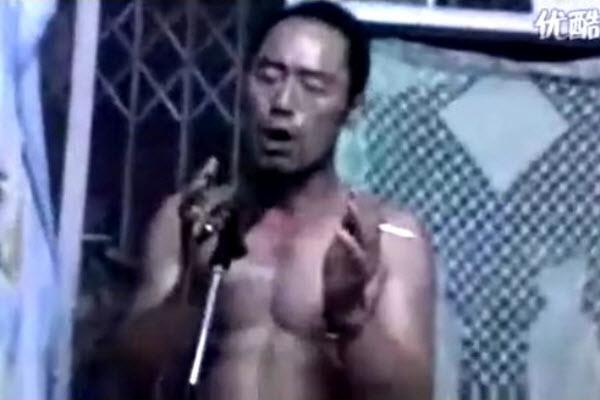 "Wang Xu singing ""In A Spring Day"""