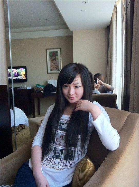 Beggar Loli in a hotel room?