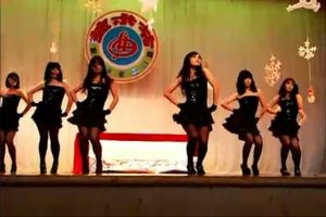 dongguan-china-high-school-girls-risque-dance-performance-2