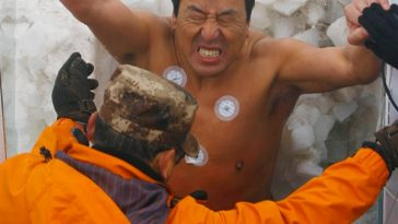 """An """"iceman"""" competition in Hunan, China breaks a Guiness World Record twice."""
