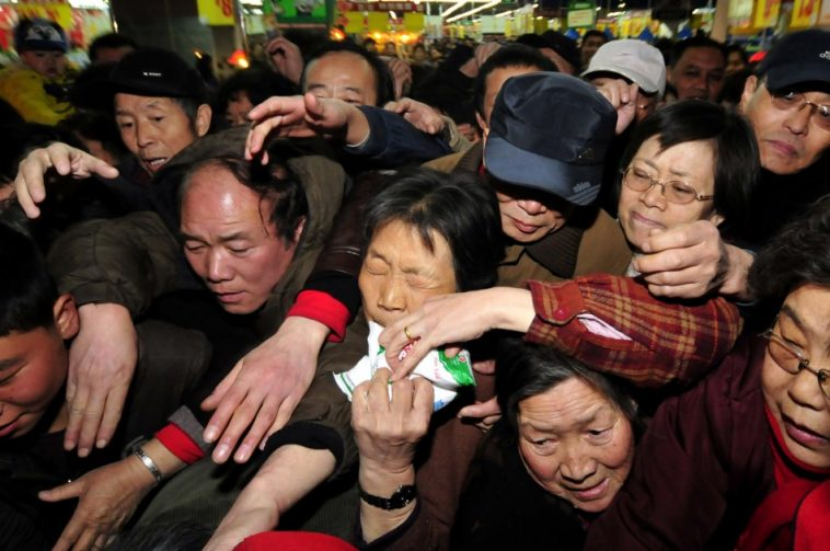 Chinese people in Lanzhou scrambling to buy salt.