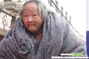 chinese-homeless-man-invents-language-05