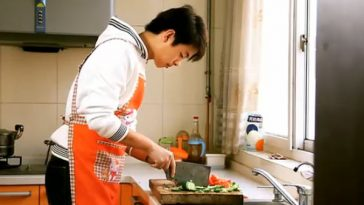 """""""Heaven's Lunch"""", a short film by Hebei university student Liu Xiaoyu entered in the Beijing College Student Film Festival."""
