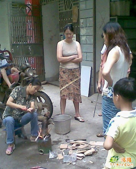 Puppy Roasted Alive Over Open Fire By Chinese Women – chinaSMACK
