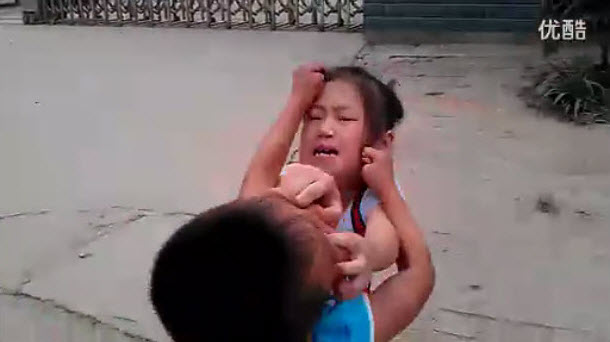 Chinese Dad Encourages Little Boy & Girl to Fight Each Other ...
