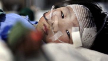 Yiyi, a 2-year-old girl rescued from the July 23rd Wenzhou high speed train crash.