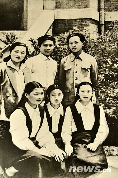 Kim Jong-il with middle school classmates.