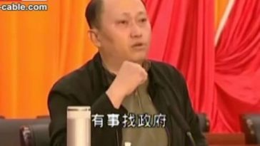 "Chinese government official Zheng Yanxiong: ""Go to the government if you have a problem."""