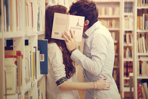 bookstore kiss