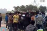 A mob of Chinese teenagers beating up 3 other teens.
