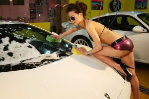 hot-chick-car-wash-02