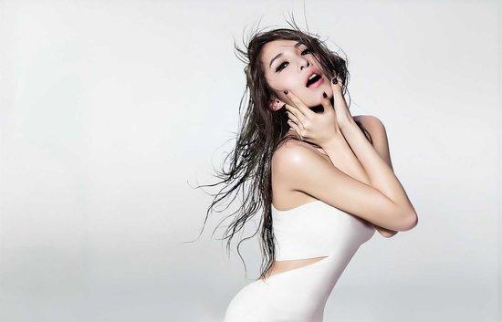 Elva Hsiao aka Xiao Yaxuan 02