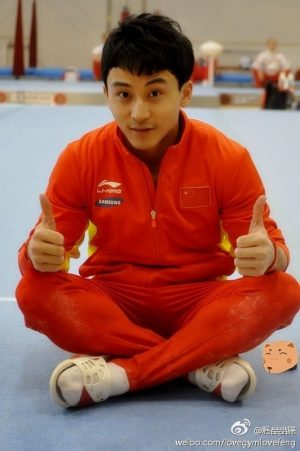 Feng Zhe with two thumbs up.