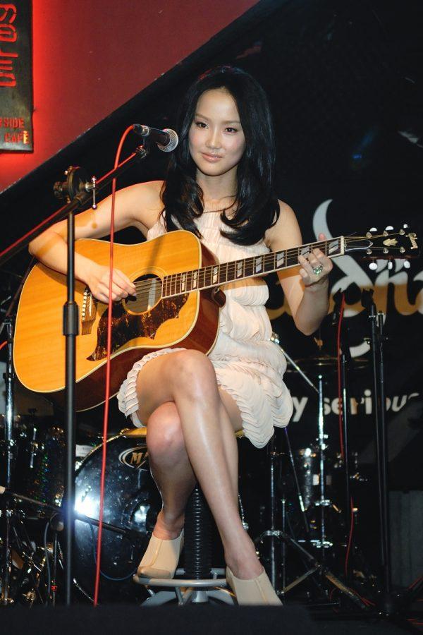 Huang Ling 03