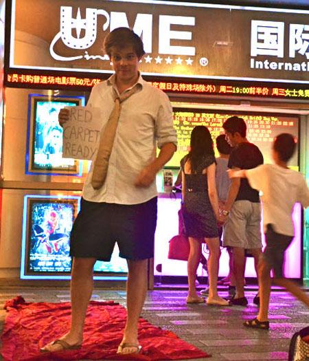 "Shanghai Calling Expat Stories - Bob Caubergs: ""Red carpet ready"""