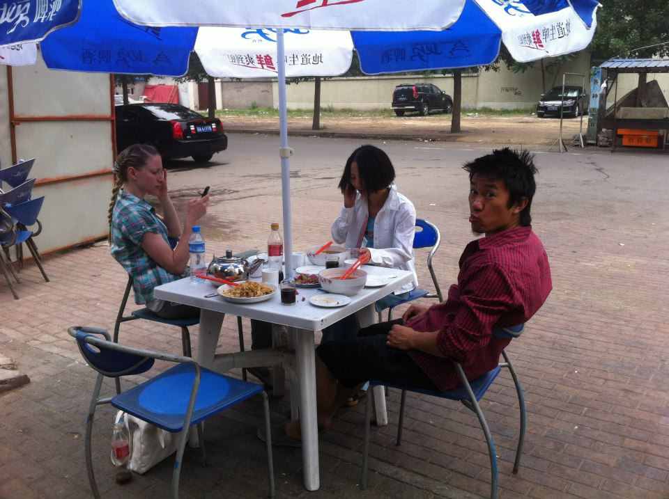 Lunch time in Tongzhou with A Qin