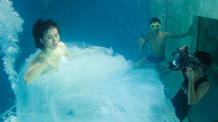 Underwater wedding photography studio in Beijing