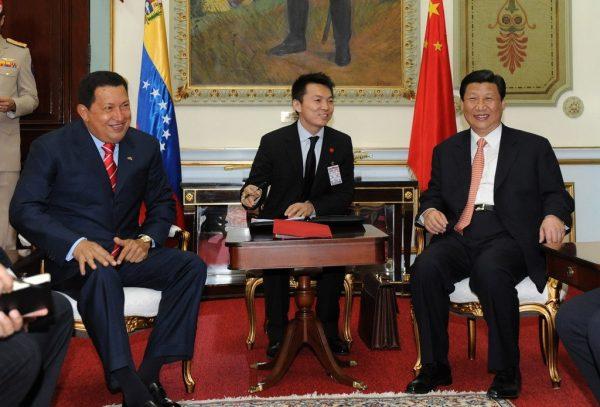 2009 April 9, Beijing: Xi Jinping meets Venezuelan President Chávez at the Diaoyu Islands National Guesthouse. Photo credit: Xinhua reporter Li Tao