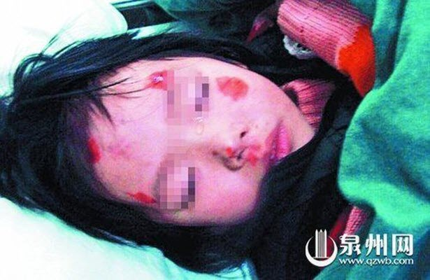 xiaoya-3-year-old-chinese-girl-suddenly-thrown-out-of-taxi-by-father ...