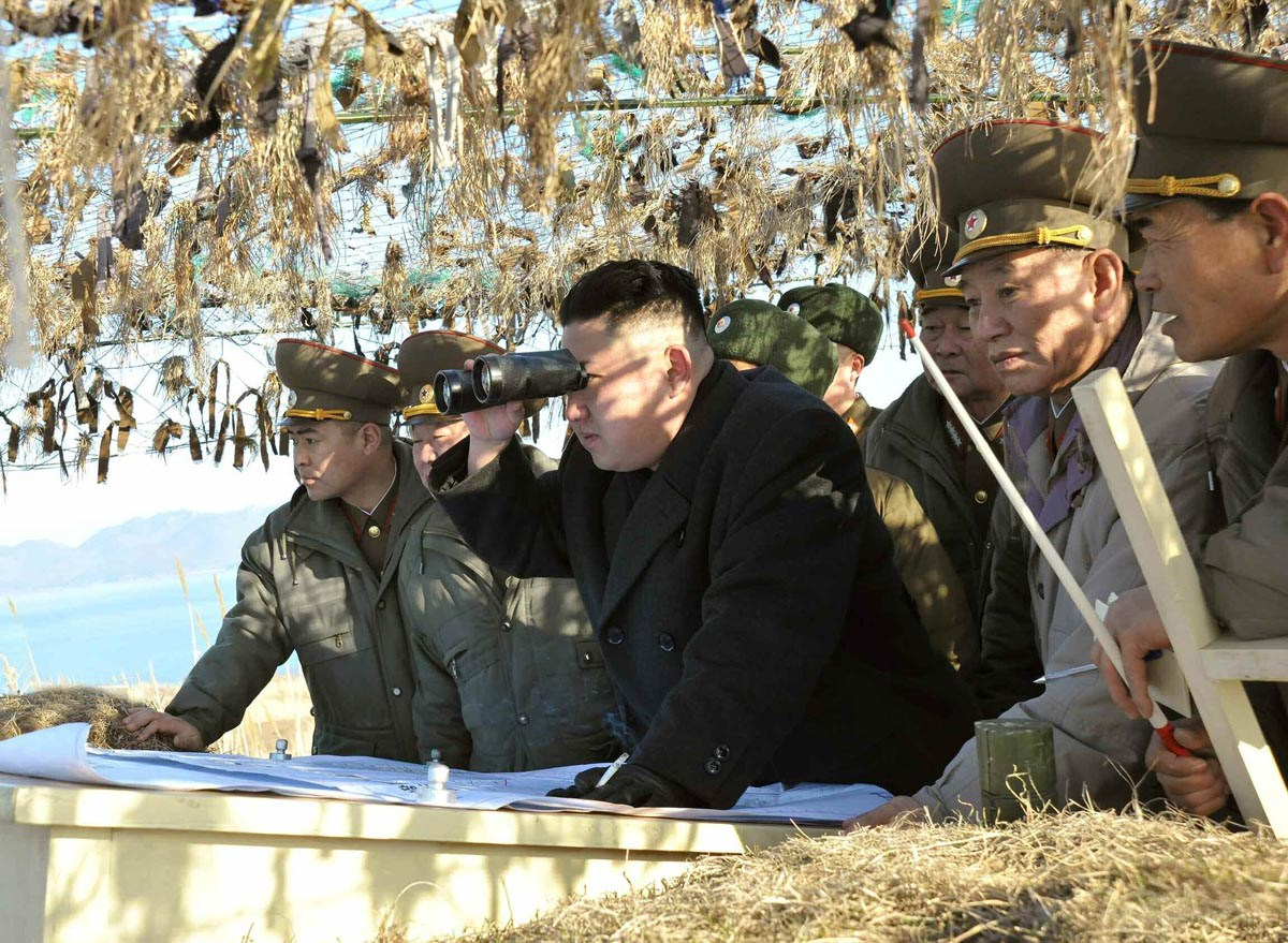 http://img.chinasmack.com/www/wp-content/uploads/2013/04/north-korean-supreme-leader-kim-jong-un-inspecting-front-lines.jpg