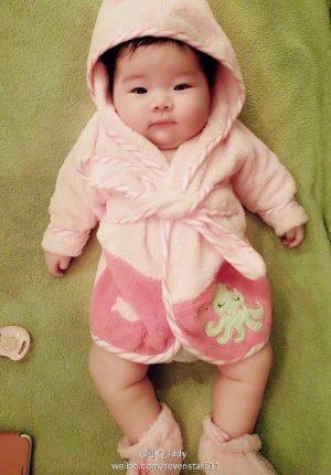qi-kexin-ji-xingpeng-daughter-baby