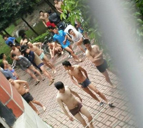 sichuan-yaan-earthquake-05-male-students-outside-undressed