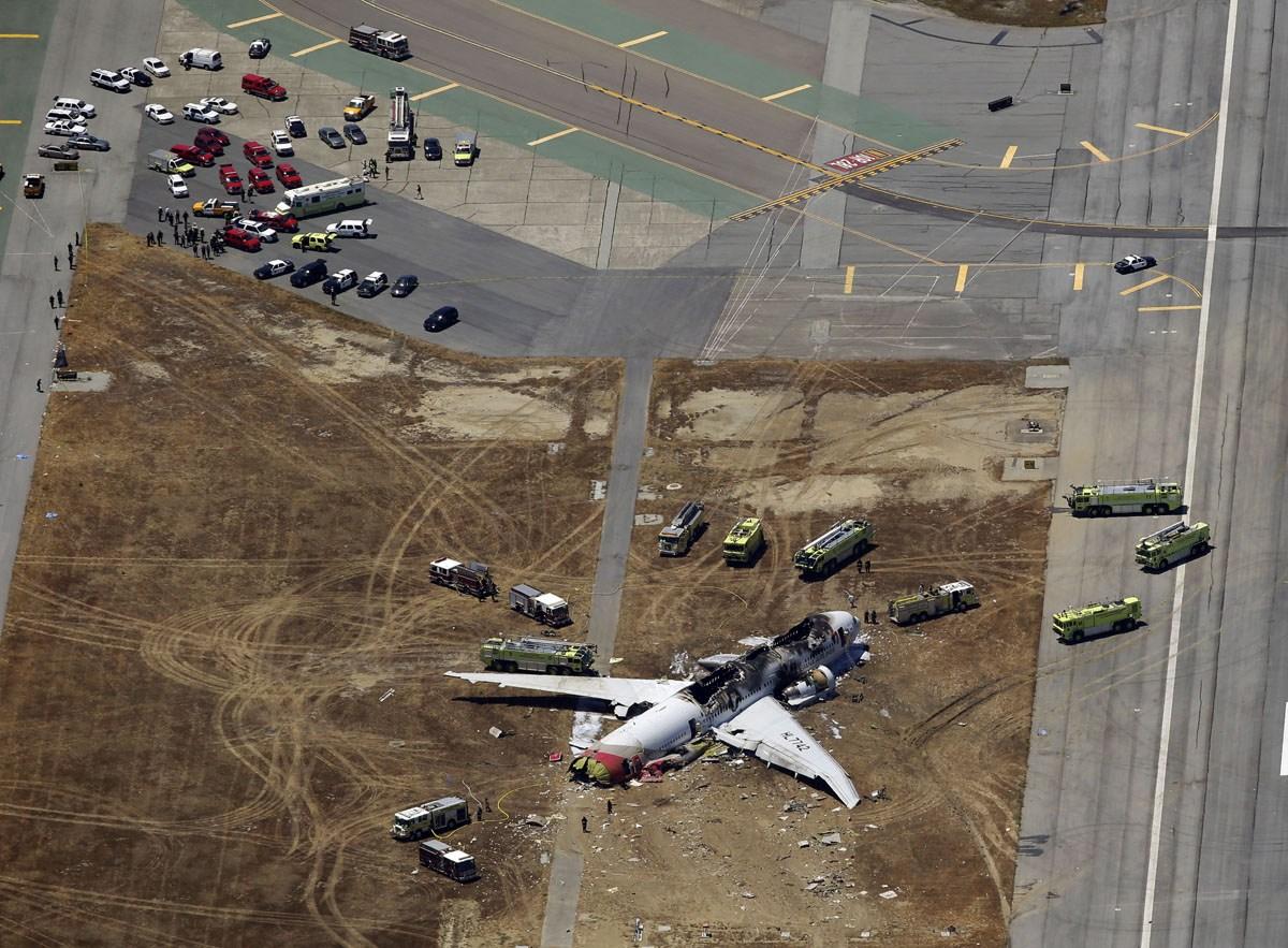 How the Asiana 777 crash photos