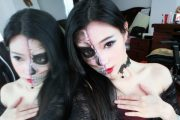 Halloween makeup by Chinese netizen and Sina Weibo user @吴琼琼爱画画, featuring half a skull on half the face.