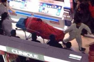 A Chinese man jumped to his death at a shopping mall in Xuzhou, China apparently fed up with his girlfriend's shopping spree.